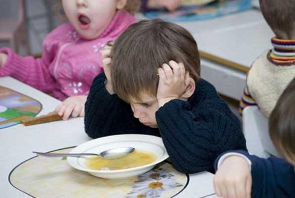 Посещающие детсад дети страдают ожирением на 50 % чаще