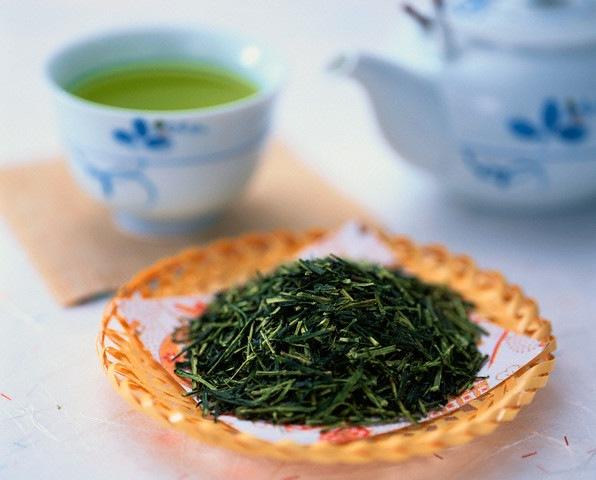Зеленый чай наносит удар по печени?