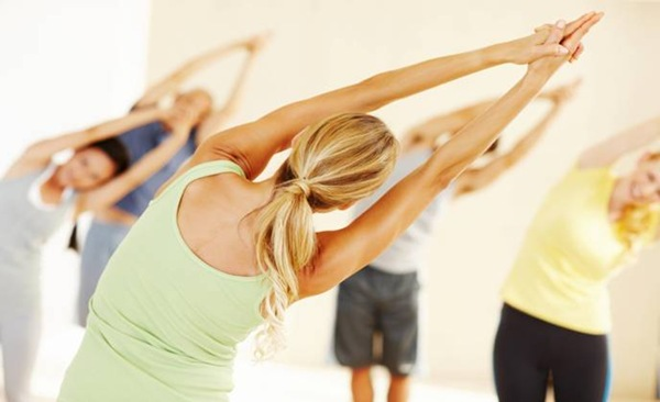 Фитнес-йога: 5 главных отличий от классической практики