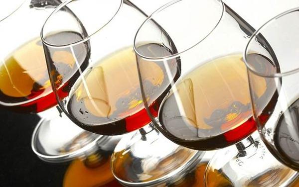 Чем закусывать алкогольные напитки