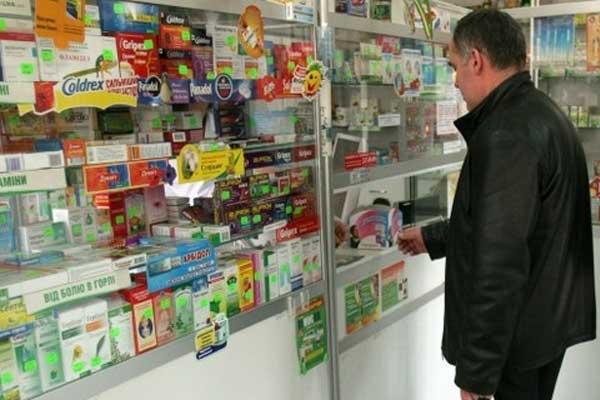 Более трети россиян регулярно отовариваются в аптеке