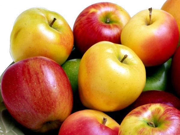 Черника, виноград и яблоки