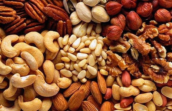Орехи сохранят здоровье груди