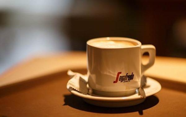Чашка кофе даже за 6 часов до сна может его нарушить