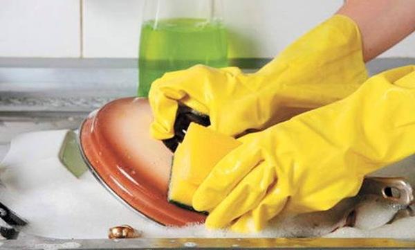 Губка для мытья посуды грязнее, чем сиденье унитаза