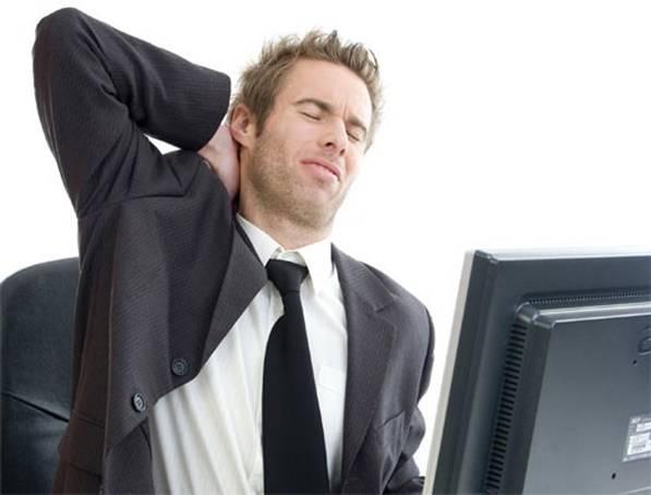 Многим офисным работникам грозят проблемы с суставами