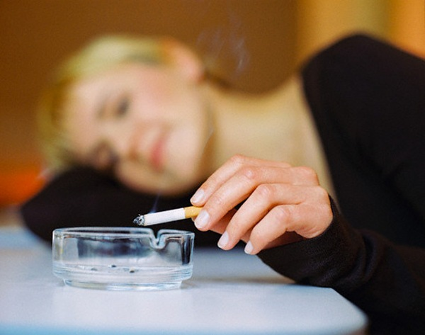 Даже редкое курение может привести к остановке сердца у женщин