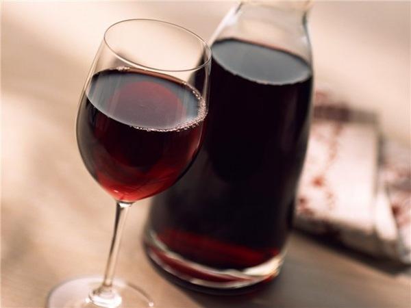 Ежедневный бокал вина убережет от рака кишечника