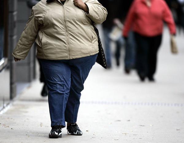 После длительного ожирения диеты и тренировки помогают плохо
