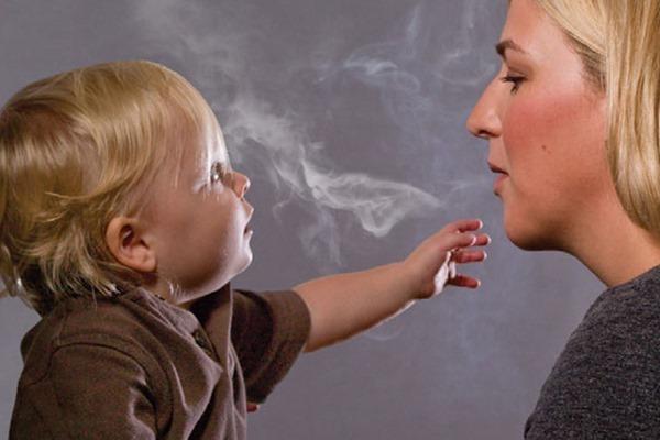 Для девочек пассивное курение более вредно, чем для мальчиков