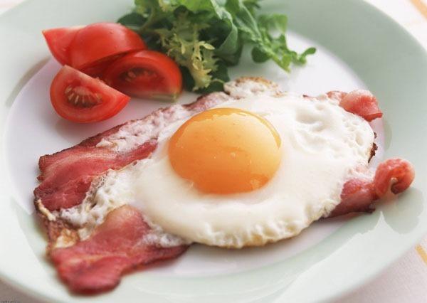 Плотный завтрак поможет бороться с бесплодием