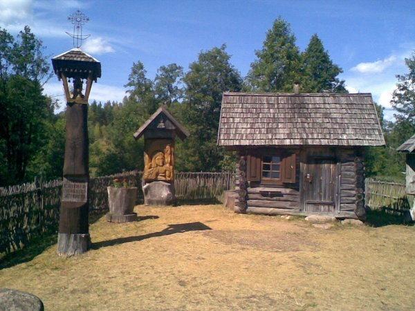 Музей древнего пчеловодства в Стрипейкяйе (Литва)